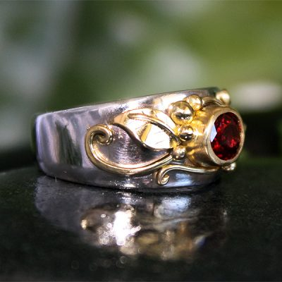 Giselle, 14k/18k Gold and Spinel Ring