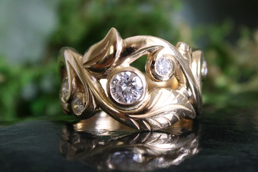 Wanderlust Ring with Diamonds in 14k Yellow Gold