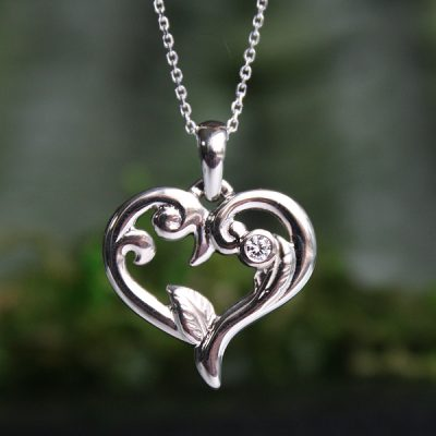 L'Amour Diamond Heart Pendant