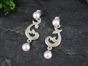 Small Dancing Vine Pearl Drop Earrings