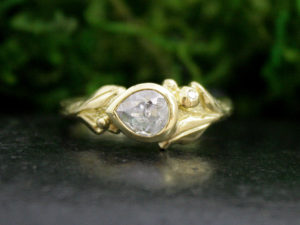 Rowan Ring in 18k Gold with a Rose Cut Diamond