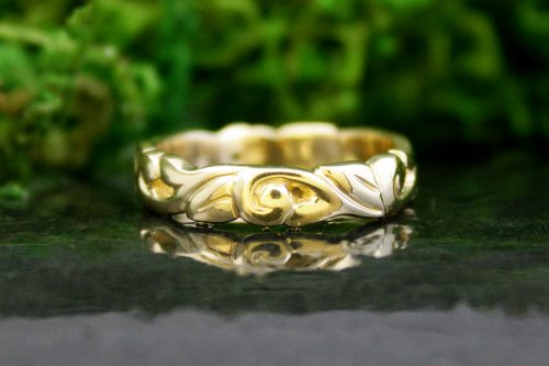Athena Wedding Band in 14k Gold