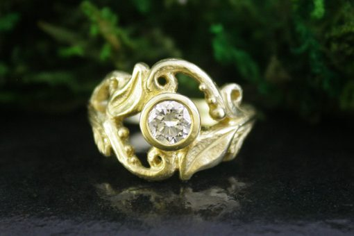 Cathedral Grove Diamond Ring in 18k Gold