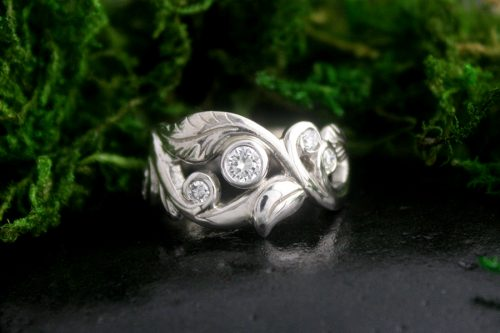 Wanderlust Ring with Diamonds in 14k White Gold
