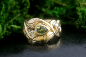 Wanderlust Ring with Green Sapphire and Diamonds in 14k Gold
