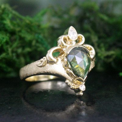 Green Sapphire and 18k Gold Carmen Ring