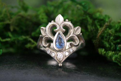 Aurora Teal Sapphire and Palladium White Gold Ring