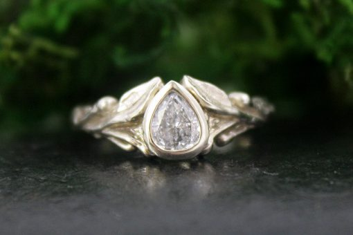 Asrai Ring in 14k White Gold with Diamond