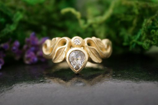 Moonlight Song Grey Diamond Gold Ring
