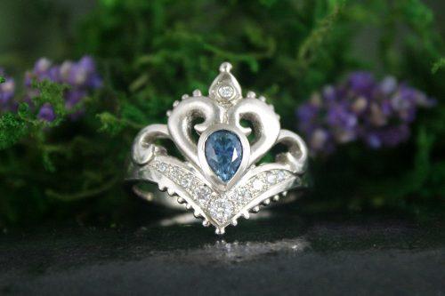 Jasmine Ring with Teal Sapphire in Palladium White Gold