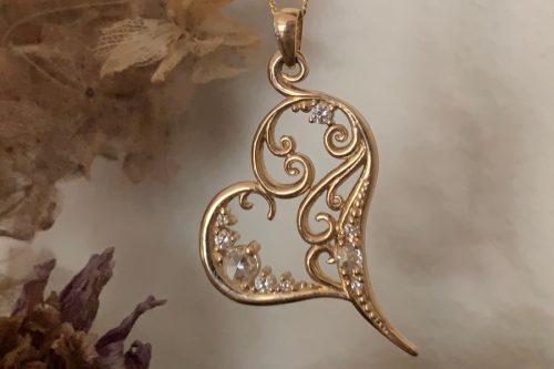 Golden Starlet Heart Pendant with Diamonds