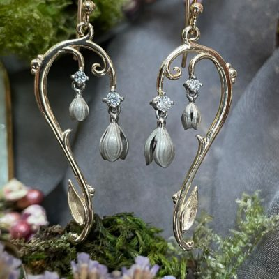 SnowDrop Earrings in White and Yellow Gold with Diamonds