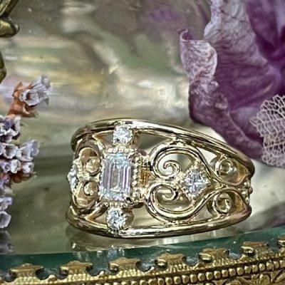 Meadow Emerald Cut Multi Diamond Ring in 14K Gold
