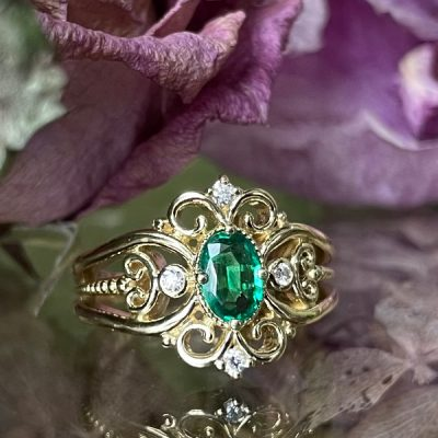Emerald and Diamond Ring in 18K Gold
